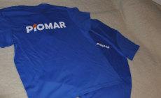 niebieskie koszulki z nadrukiem firmy PIOMAR